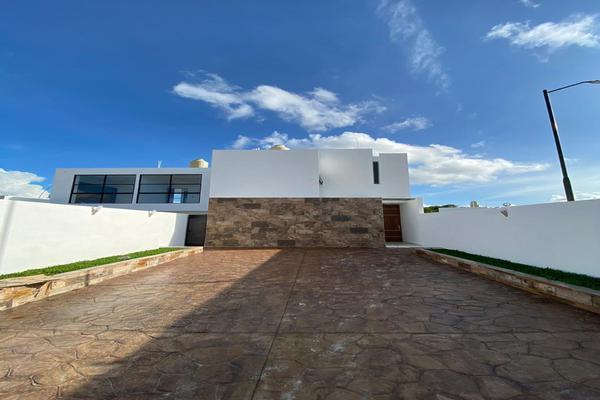 Foto de casa en venta en  , chichi suárez, mérida, yucatán, 8187478 No. 02
