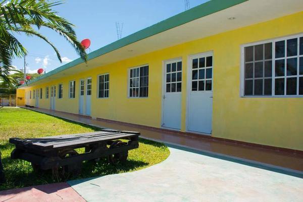 Foto de edificio en venta en  , chicxulub puerto, progreso, yucatán, 0 No. 03