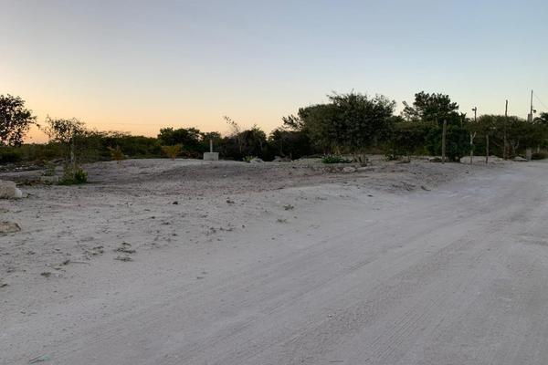 Foto de terreno habitacional en venta en  , chicxulub puerto, progreso, yucatán, 20175102 No. 01