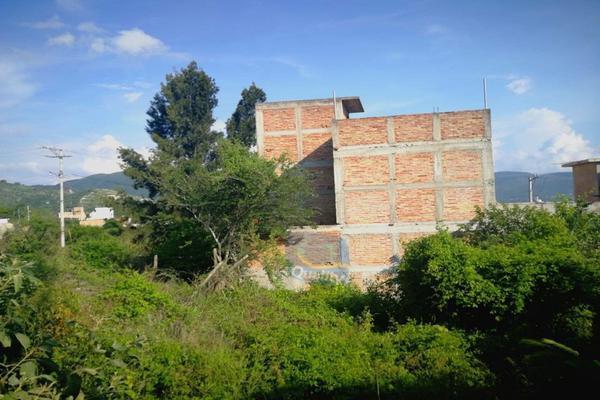 Foto de terreno habitacional en venta en  , chilpancingo de los bravos centro, chilpancingo de los bravo, guerrero, 14024324 No. 02