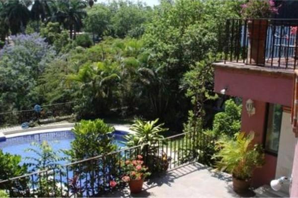 Foto de casa en venta en  , chipitlán, cuernavaca, morelos, 6188054 No. 01