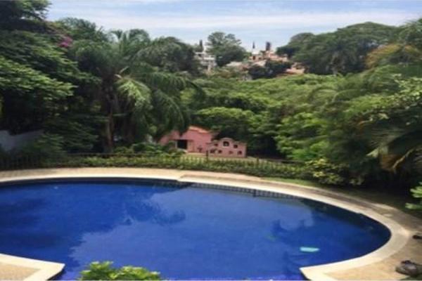 Foto de casa en venta en  , chipitlán, cuernavaca, morelos, 6188054 No. 02