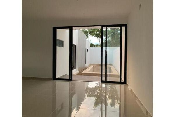 Foto de casa en venta en  , cholul, mérida, yucatán, 14026151 No. 03