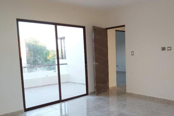 Foto de casa en venta en  , cholul, mérida, yucatán, 14026227 No. 02