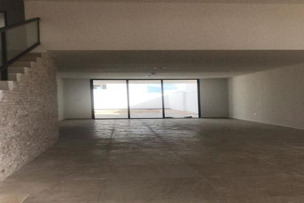 Foto de casa en venta en  , cholul, mérida, yucatán, 14026243 No. 02