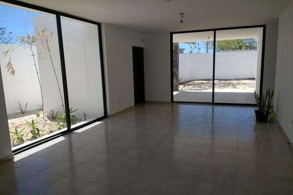 Foto de casa en venta en  , cholul, mérida, yucatán, 14027454 No. 02