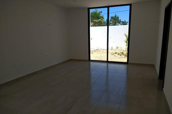 Foto de casa en venta en  , cholul, mérida, yucatán, 14027454 No. 03