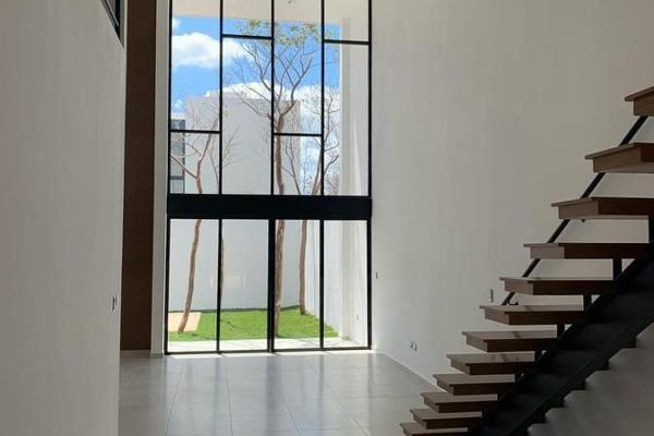 Foto de casa en venta en  , cholul, mérida, yucatán, 14029875 No. 02