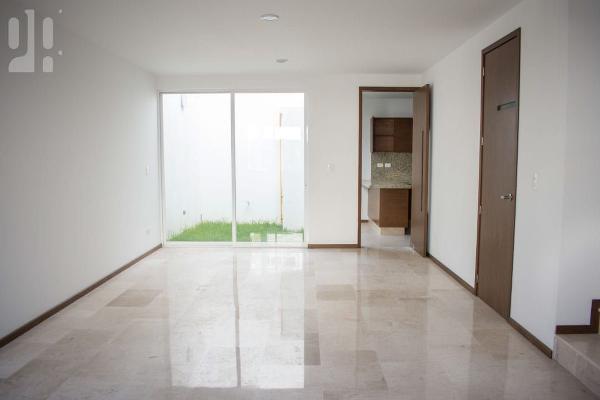 Foto de casa en venta en  , cholula de rivadabia centro, san pedro cholula, puebla, 4645338 No. 02