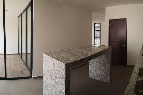 Foto de casa en venta en  , chuburna de hidalgo iii, mérida, yucatán, 14028593 No. 02