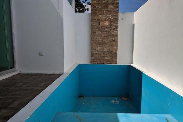 Foto de casa en venta en  , chuburna de hidalgo, mérida, yucatán, 7858236 No. 04