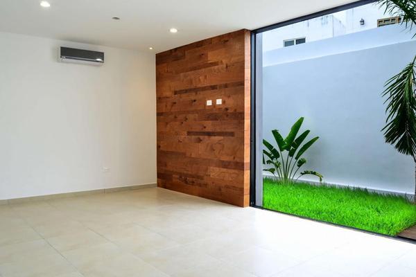 Foto de casa en venta en  , chuburna de hidalgo v, mérida, yucatán, 8210278 No. 02