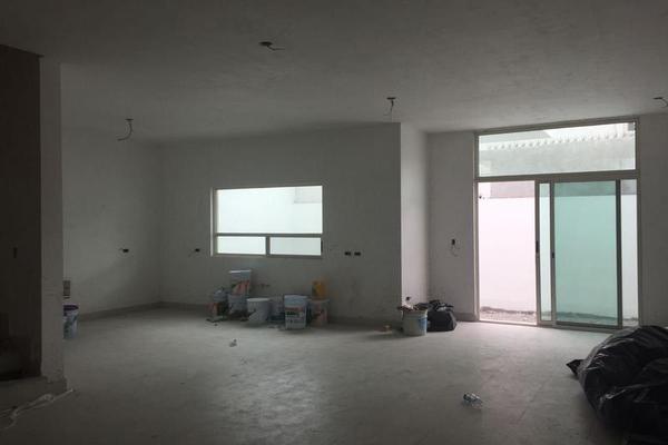 Foto de casa en venta en  , cima del bosque (cumbres elite 9 sector), monterrey, nuevo león, 7955342 No. 02