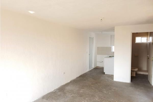 Foto de departamento en venta en  , claustros de la loma, querétaro, querétaro, 20100764 No. 05
