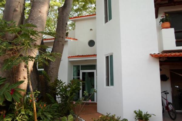 Foto de casa en venta en  , club de golf, zihuatanejo de azueta, guerrero, 2937408 No. 01