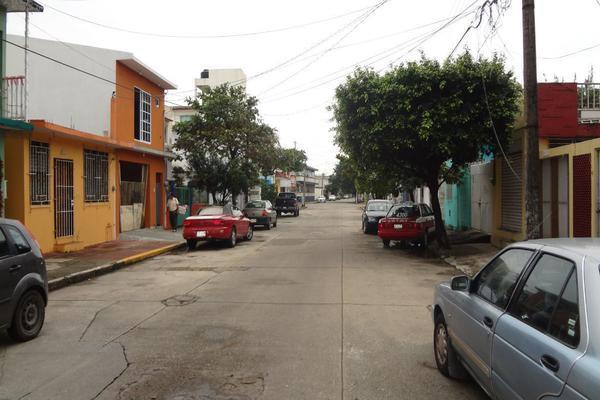Foto de casa en venta en  , coatzacoalcos centro, coatzacoalcos, veracruz de ignacio de la llave, 14028440 No. 02