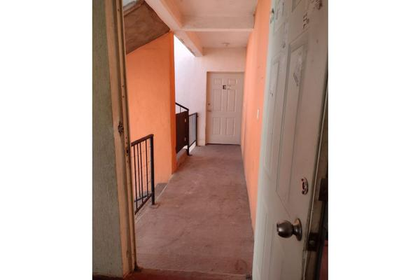Foto de departamento en venta en  , cofradia de la luz, tlajomulco de zúñiga, jalisco, 21471316 No. 03