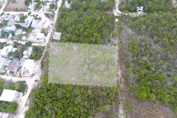 Foto de terreno habitacional en venta en  , colegios, benito juárez, quintana roo, 0 No. 03