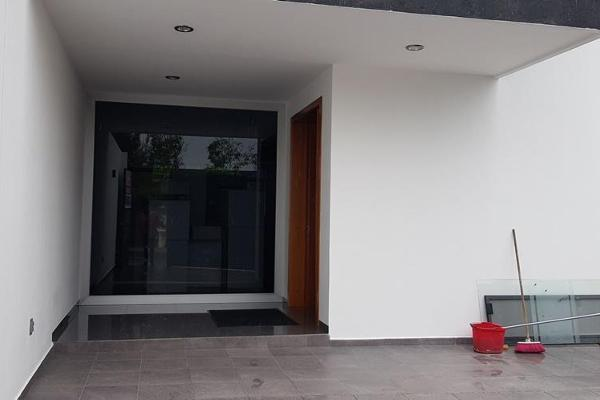 Foto de casa en venta en  , colinas del cimatario, querétaro, querétaro, 14023144 No. 01
