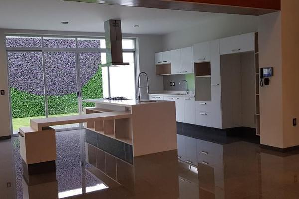 Foto de casa en venta en  , colinas del cimatario, querétaro, querétaro, 14023144 No. 02