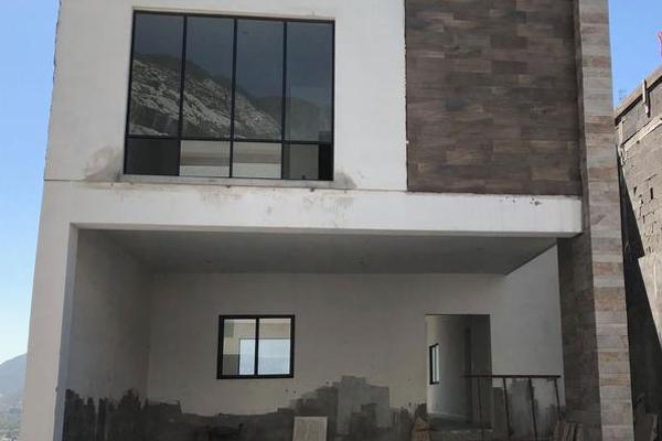 Foto de casa en venta en  , colinas del valle 2 sector, monterrey, nuevo león, 7956612 No. 01