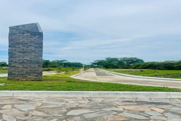 Foto de terreno habitacional en venta en  , comala, comala, colima, 0 No. 02