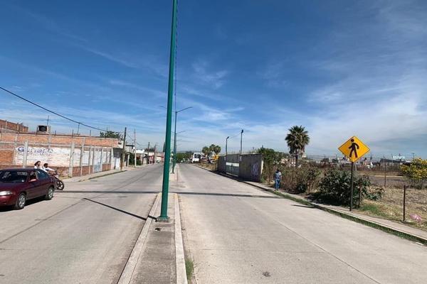 Foto de terreno habitacional en venta en comonfort , 18 de marzo, salamanca, guanajuato, 13786595 No. 01