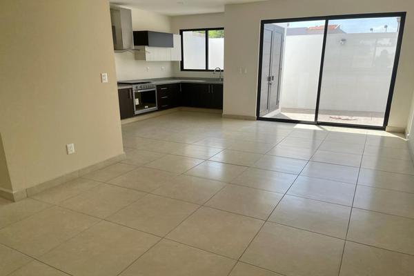 Foto de casa en condominio en venta en condominio cedros, ciudad maderas, el marques, queretaro. , ciudad maderas, el marqués, querétaro, 0 No. 04