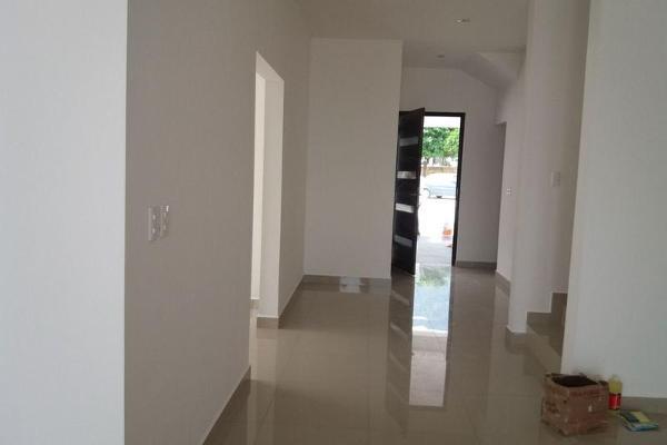 Foto de casa en venta en  , instituto tecnológico de estudios superiores de monterrey, monterrey, nuevo león, 7957493 No. 02