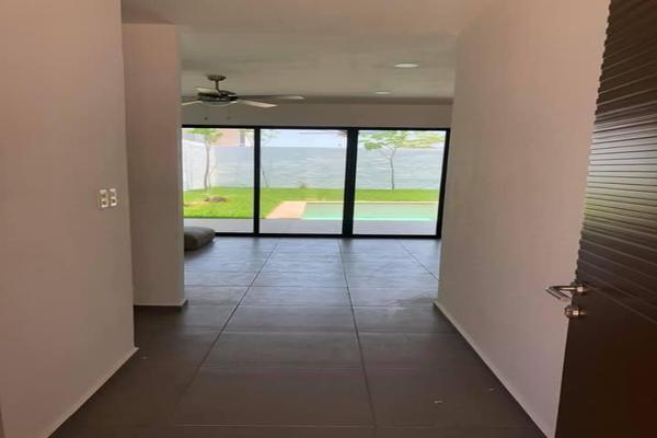 Foto de casa en venta en  , conkal, conkal, yucatán, 14026663 No. 01