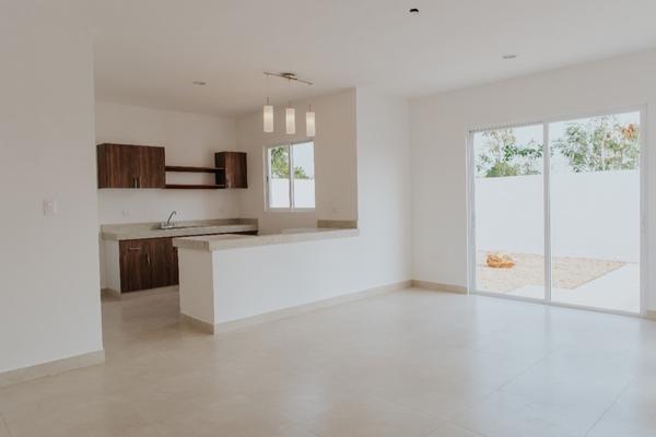 Foto de casa en venta en  , conkal, conkal, yucatán, 14028888 No. 02