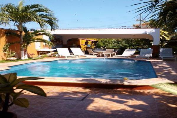 Foto de edificio en venta en  , costa azul, progreso, yucatán, 18391391 No. 01