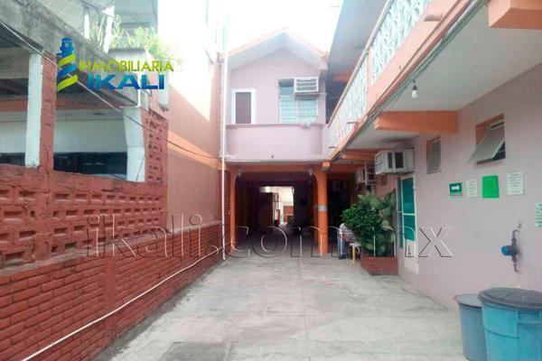 Foto de edificio en venta en cuahuctemoc , burocrática, tuxpan, veracruz de ignacio de la llave, 3681951 No. 01