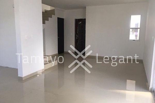 Foto de casa en venta en  , cumbres elite sector la hacienda, monterrey, nuevo león, 4524585 No. 02