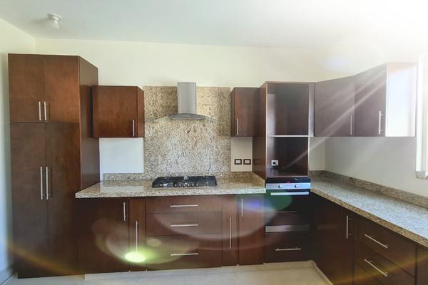 Foto de casa en venta en  , cumbres elite sector villas, monterrey, nuevo león, 20516944 No. 03
