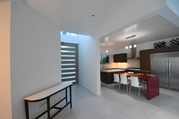 Foto de casa en venta en  , cumbres elite sector villas, monterrey, nuevo león, 20523718 No. 03