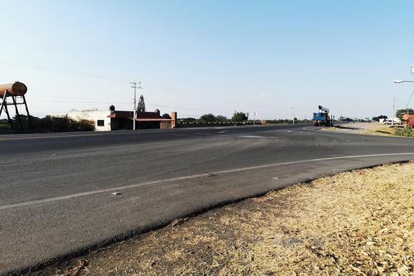 Foto de terreno habitacional en venta en  , cumuatillo, venustiano carranza, michoacán de ocampo, 19971340 No. 06