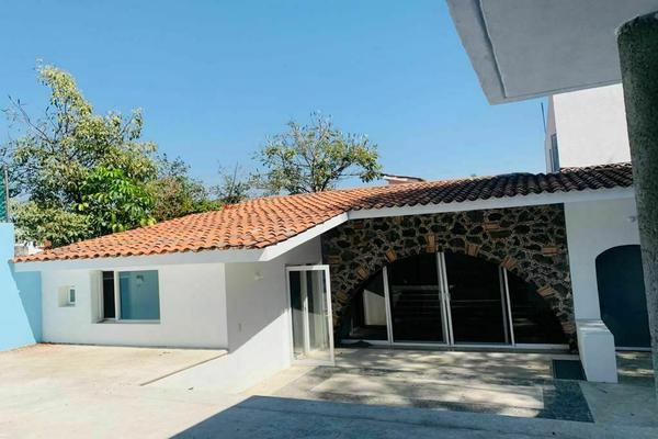 Foto de casa en venta en de tzompantle , bosques de palmira, cuernavaca, morelos, 0 No. 02