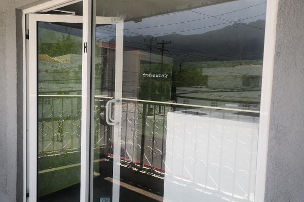 Foto de local en renta en  , del valle, san pedro garza garcía, nuevo león, 14038066 No. 01