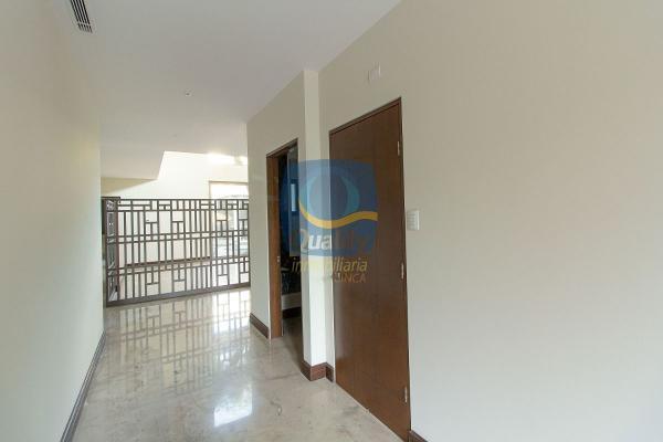 Foto de casa en venta en  , del valle, san pedro garza garcía, nuevo león, 14038070 No. 03