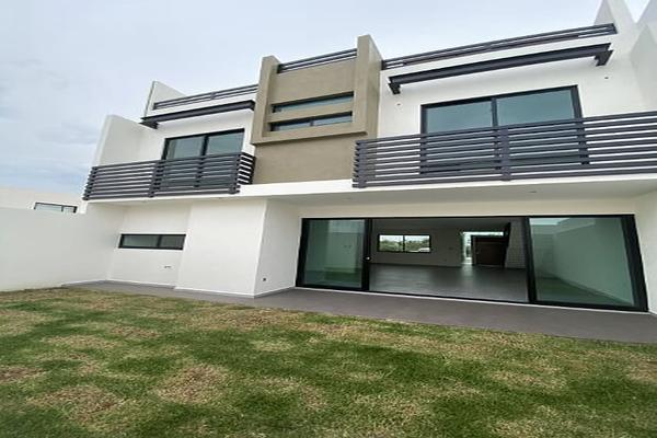 Foto de casa en venta en  , desarrollo habitacional zibata, el marqués, querétaro, 14034871 No. 01