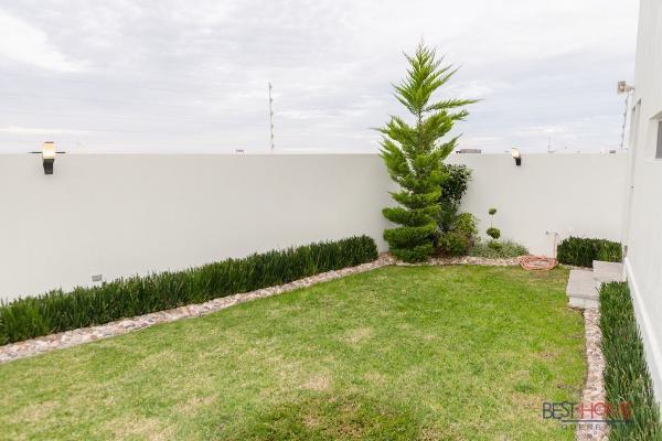 Foto de casa en venta en  , desarrollo habitacional zibata, el marqués, querétaro, 14035749 No. 14