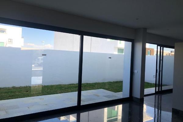 Foto de casa en venta en  , desarrollo habitacional zibata, el marqués, querétaro, 14035855 No. 03