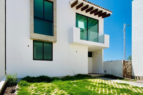 Foto de casa en venta en  , desarrollo habitacional zibata, el marqués, querétaro, 9933240 No. 01