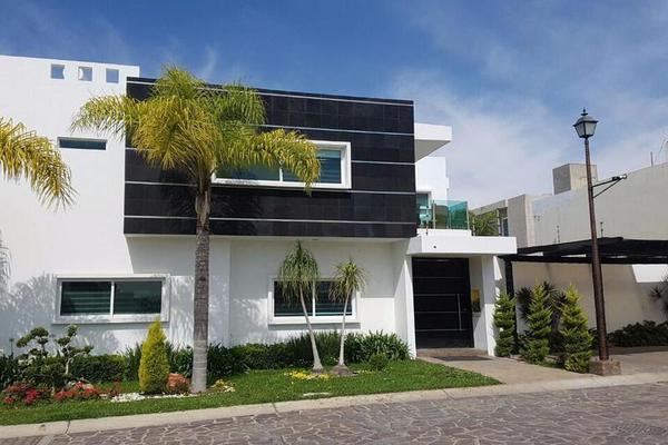 Foto de casa en venta en  , el alcázar (casa fuerte), tlajomulco de zúñiga, jalisco, 7920372 No. 01