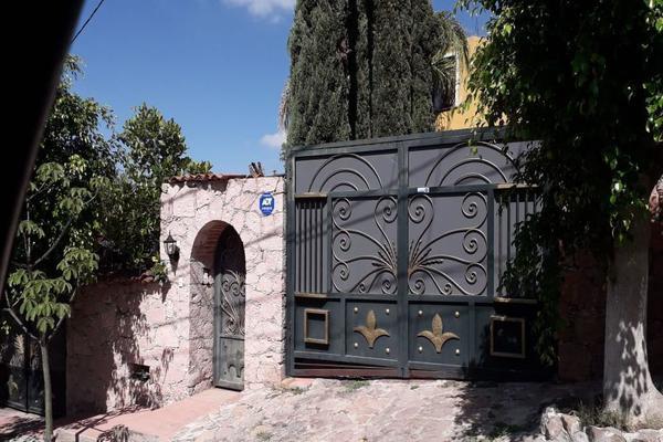 Foto de casa en venta en  , el bosque, querétaro, querétaro, 14037432 No. 01