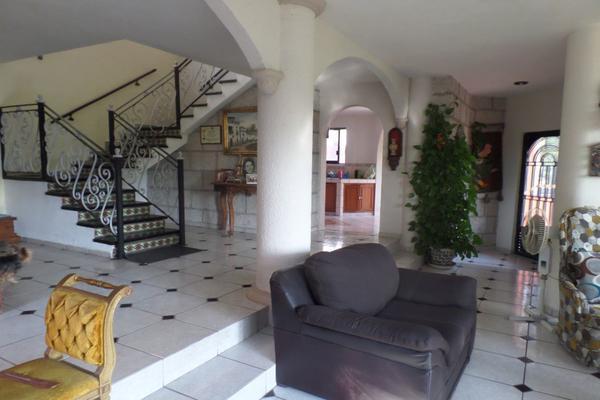 Foto de casa en venta en  , el bosque, querétaro, querétaro, 14037432 No. 03