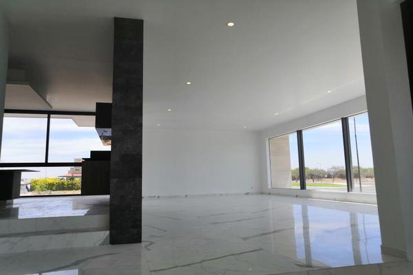 Foto de casa en venta en  , el campanario, querétaro, querétaro, 19969971 No. 03