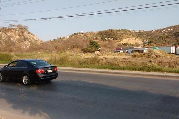 Foto de terreno habitacional en renta en  , el paraje texcal, jiutepec, morelos, 7962131 No. 01