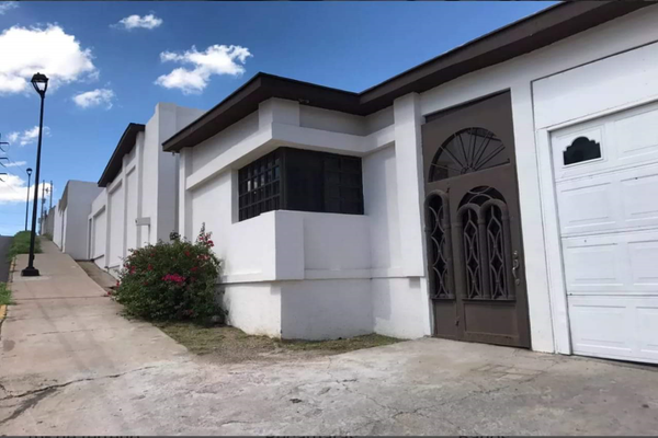 Foto de casa en venta en elias muller , campanario, chihuahua, chihuahua, 8205112 No. 01